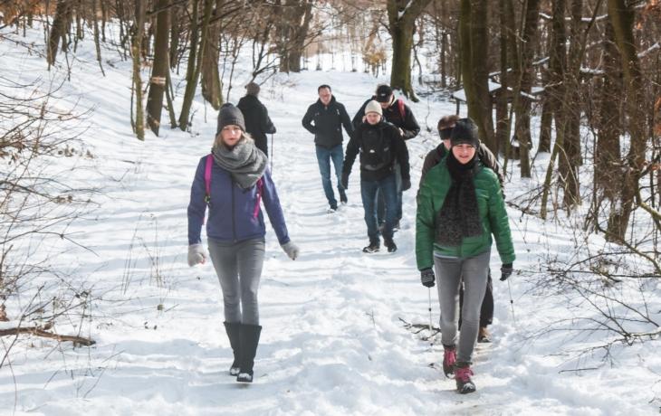 Chcete utéct davům lidí v přírodě?