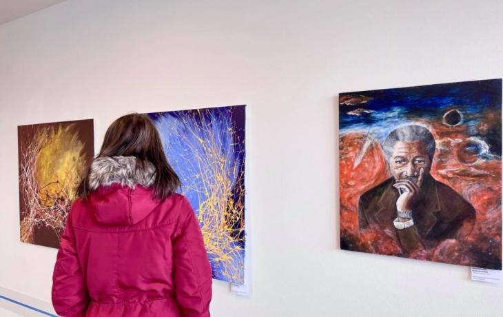 V nemocniční galerii Patro vystavuje Umprumka