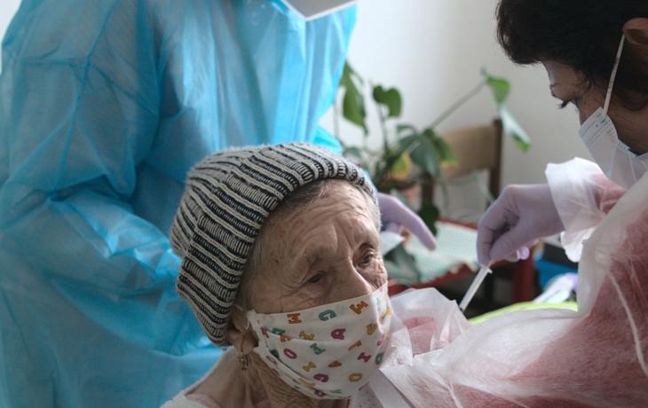 Očkování zabírá, kraj od dubna denně naočkuje až 9 tisíc lidí