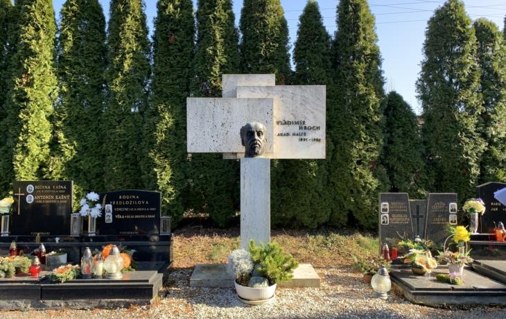 Hroby a hrobky s uměleckými díly - sochař Eugen Bekéni a malíř Vladimír Hroch