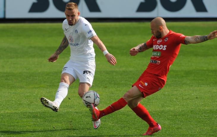 Fotbal je o chybách a my nehrajeme bezchybný fotbal, přiznal po moravském derby brněnský trenér Richard Dostálek.