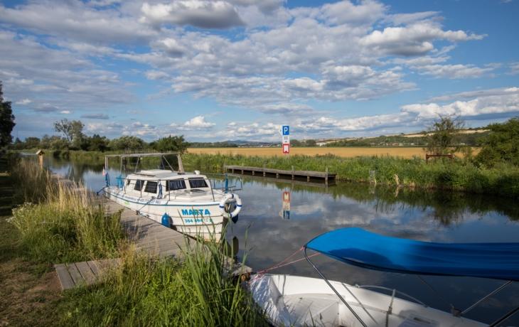 """Baťův kanál """"dusí"""" provozní doba plavebních komor, Povodí Moravy však její prodloužení odmítá"""