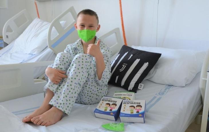 Špitál získal barevné respirátory pro dětské pacienty