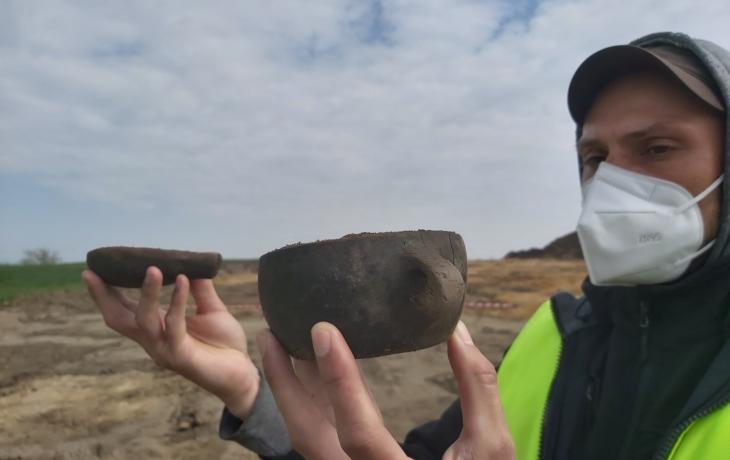 Stavba dálnice odkrývá tajemství doby bronzové, archeologové zažívají žně!