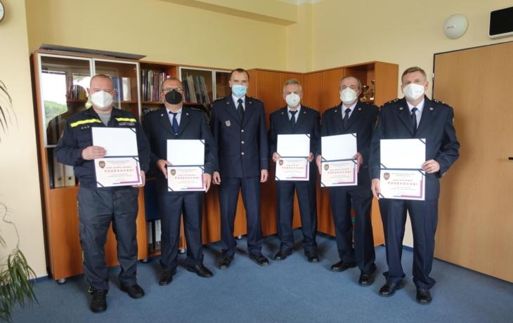 Loučení s dlouholetými profesionálními hasiči
