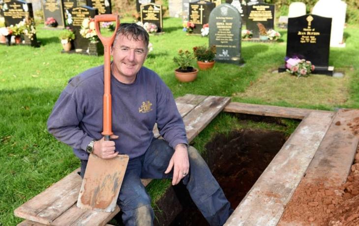 Vykopání hrobu se prodraží, radnice po letech zvedla ceny
