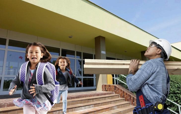 Škola vysílá S.O.S, ve třídách se propadají podlahy a praskají zdi!