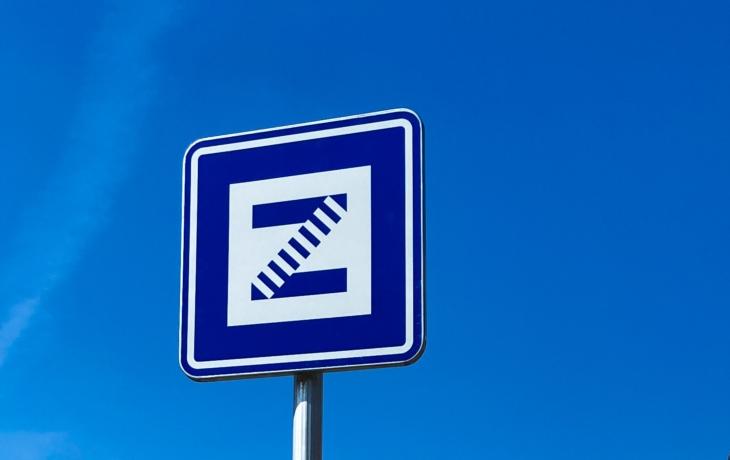 Orientaci při cestování usnadní nové označníky autobusových zastávek