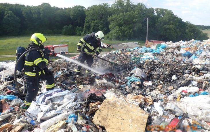 Vzplanul odpad, rozšíření zabránil včasný zásah