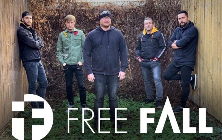 Atrium Hvězdy rozhoupají rockeři Free Fall a Nohow
