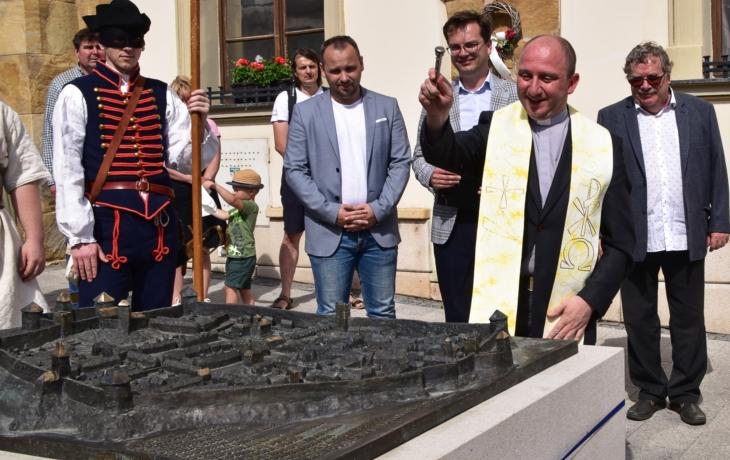 Středověký model vzbuzuje obdiv turistů, přišel na 600 tisíc