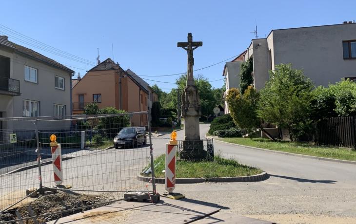 Jarošovský kříž aneb je špatné chránit si svá památná místa a zákoutí?
