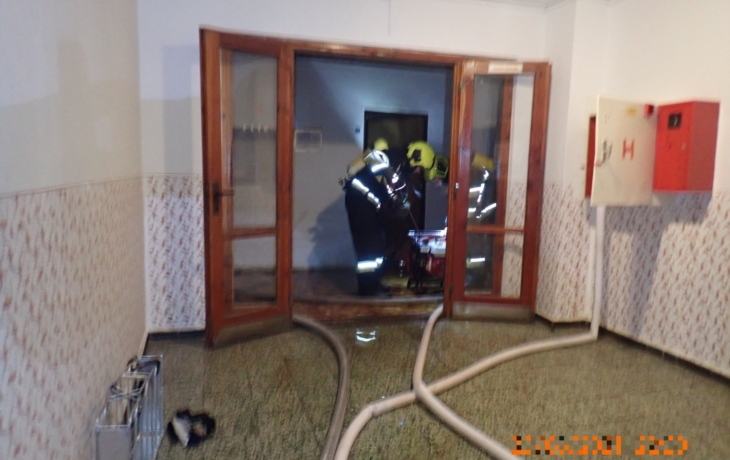 """Z """"domu hrůzy"""" hasiči zachránili vozíčkáře, evakuovaní se poprali"""