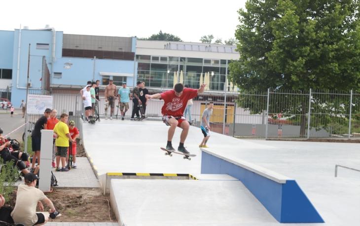 Prázdniny můžete strávit v novém skateparku