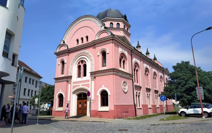Synagoga získá novou fasádu. Jaké barvy?
