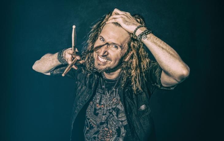 Miloš Meier si střihne pecky Metalliky, Slayer, Slipknot, ale taky Roxette