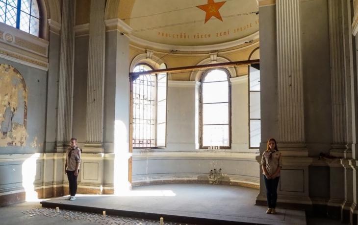 Rekonstrukce věznici vrátí do 50. let, z kaple zmizí proletářský nápis