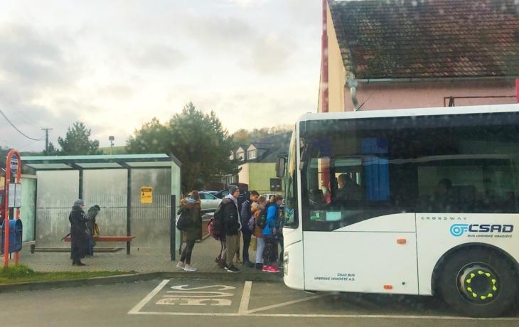 Kampaň láká na benefity, vrátí veřejné dopravě cestující?