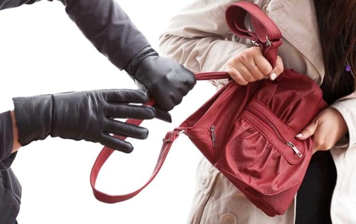 """Seniorce ukradl peníze a šperky, vrátí se """"domů""""?"""