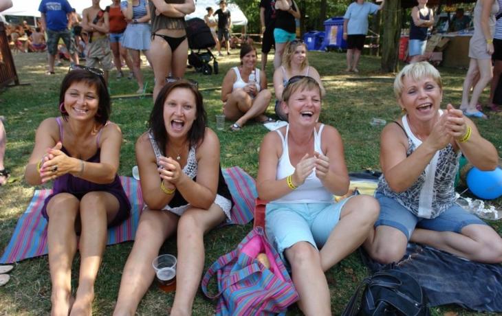 Festival v plavkách