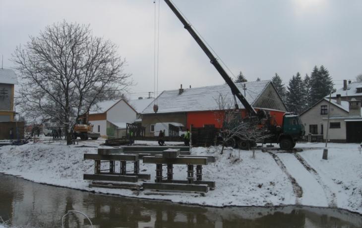 Dopravu v Bojkovicích zbrzdí oprava křižovatky a mostu