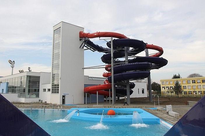 Aquapark má stovky závad, radnice si stáhne 6 milionů!