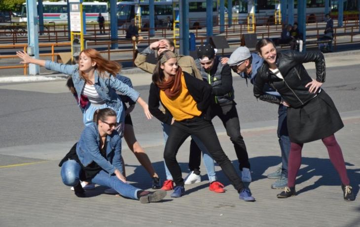 Flashmob na autobusáku