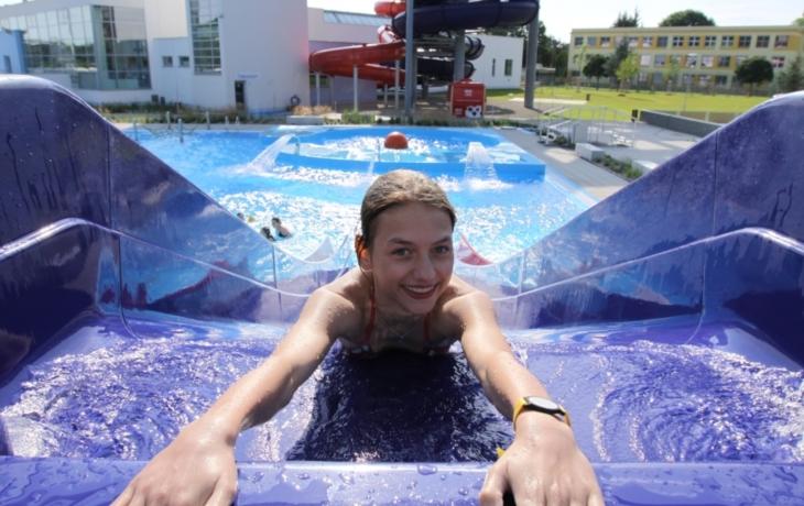 Hradiště otevírá letní bazén