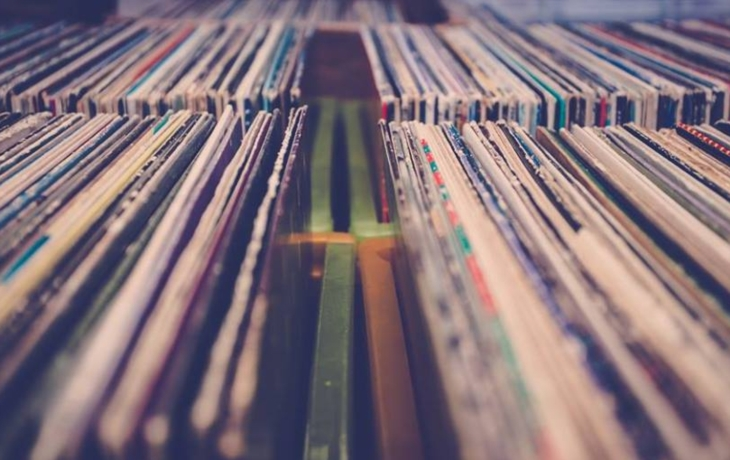 Vinylová burza na Míru