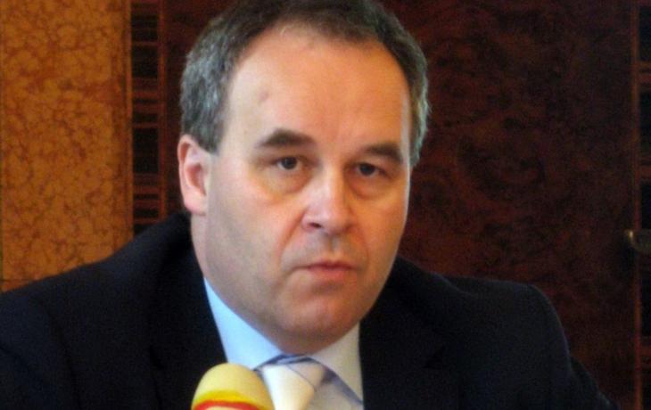Ekonom Schwarz: Financování nemocnice v Malenovicích stojí na vágních předpokladech a pomíjí jakákoliv rizika