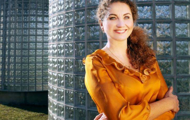 Seniorům pomůže i sopranistka Národního divadla