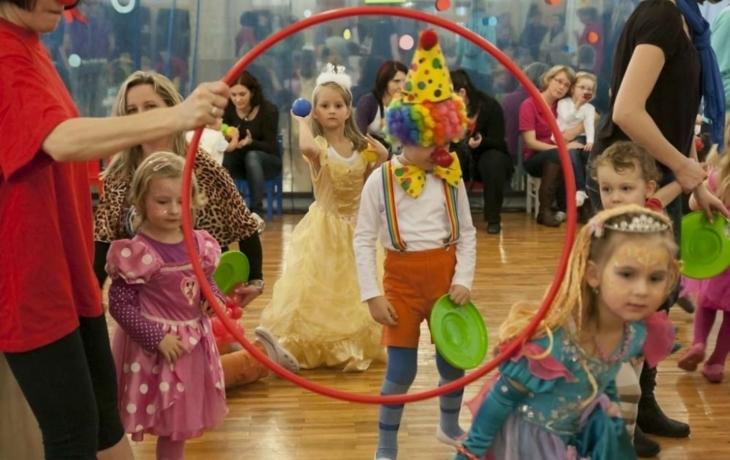 Trio klaunů bavilo sál