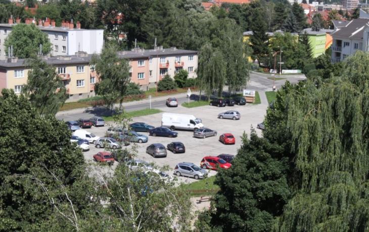 Parkoviště ve Štěpnicích bude? Město porušilo zákon o obcích!
