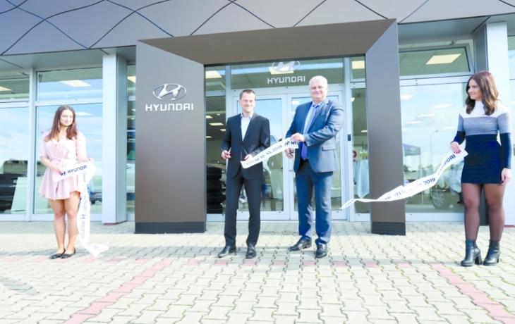 Skupina AUTO UH otevřela nový autosalon Hyundai ve Starém Městě