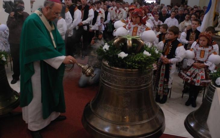 Bronzové zvony jsou zpět. Po 96 letech