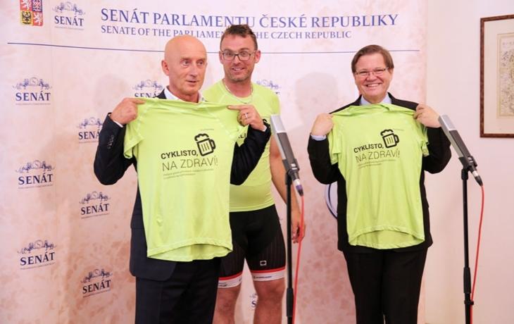 Senátoři podpořili alkohol na cyklostezkách