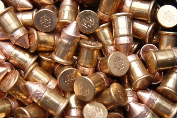 Odstřelovači dostanou nové pušky. V garanci je 10 tisíc ran!