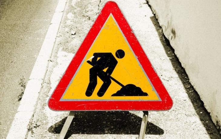 Pozor! Komenského ulice zůstane až do prázdnin uzavřena