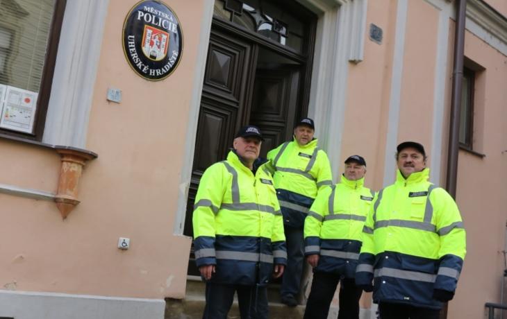 Ulice hlídají bývalí policisté, platí je úřad práce