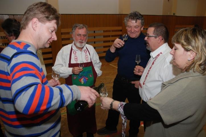 Vinaři si zajišťovali přízeň osudu