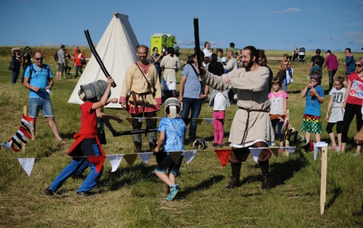 Středověké hry a chutné jídlo