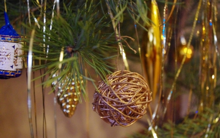Stromečku, ustroj se, je Štědrý den