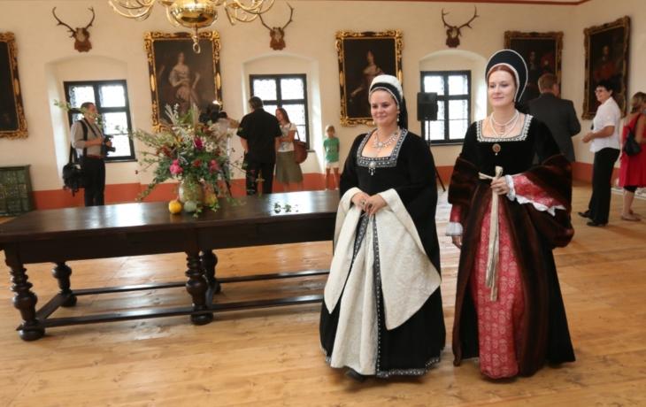 Návštěvnost lámala rekordy, hradu i zámku pomohl pokles zájmu o cizinu