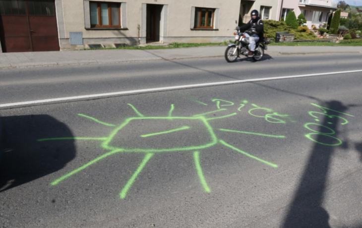 Kosočtverce, kam se podíváš. Tradice, nebo vandalismus?