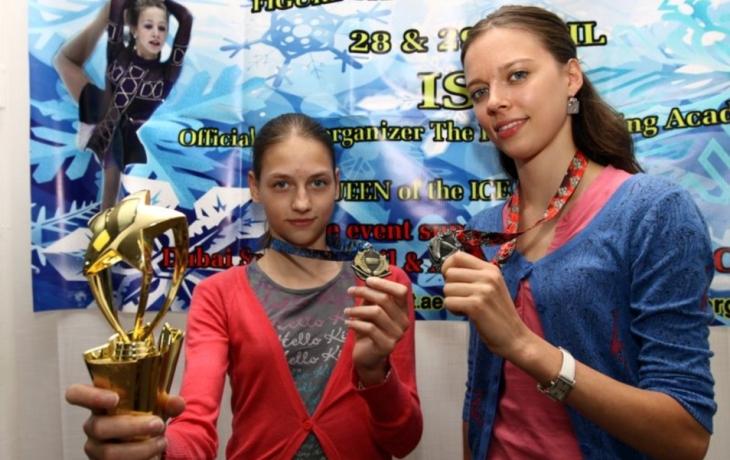 Krasobruslařky Světlíková se Slaníkovou soupeřkám v Dubaji vytřely zrak