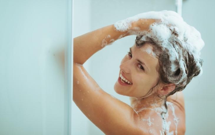 Jak si správně mýt vlasy?