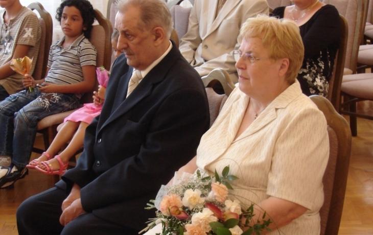 Manželé Uhříčkovi oslavili zlatou svatbu