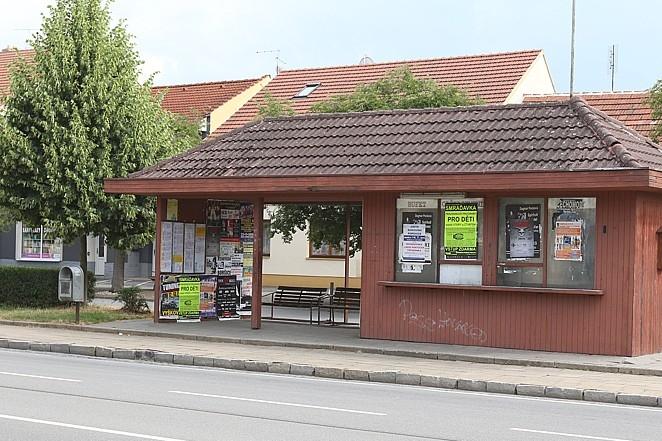 Staré Město si koupilo autobusovou zastávku. A pošle ji k zemi