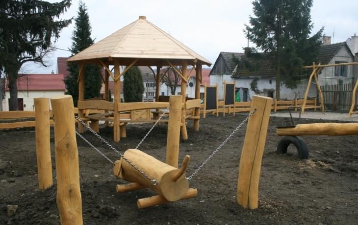 Děti pomohly navrhnout park u hřiště