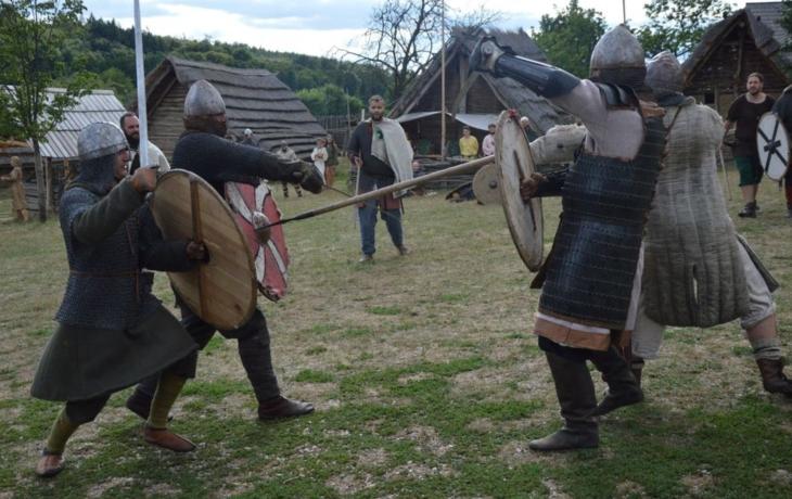 Vojáci statečně vzdorovali, hradisko však padlo